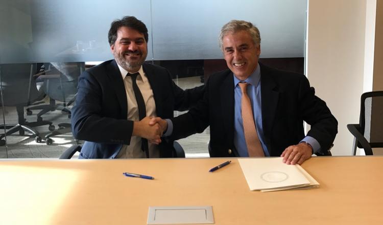 Bruno Lewicki, Director Regional de Políticas Públicas de Airbnb y Bernardo Guillamon, Gerente de la Oficina de Alianzas Estratégicas del BID